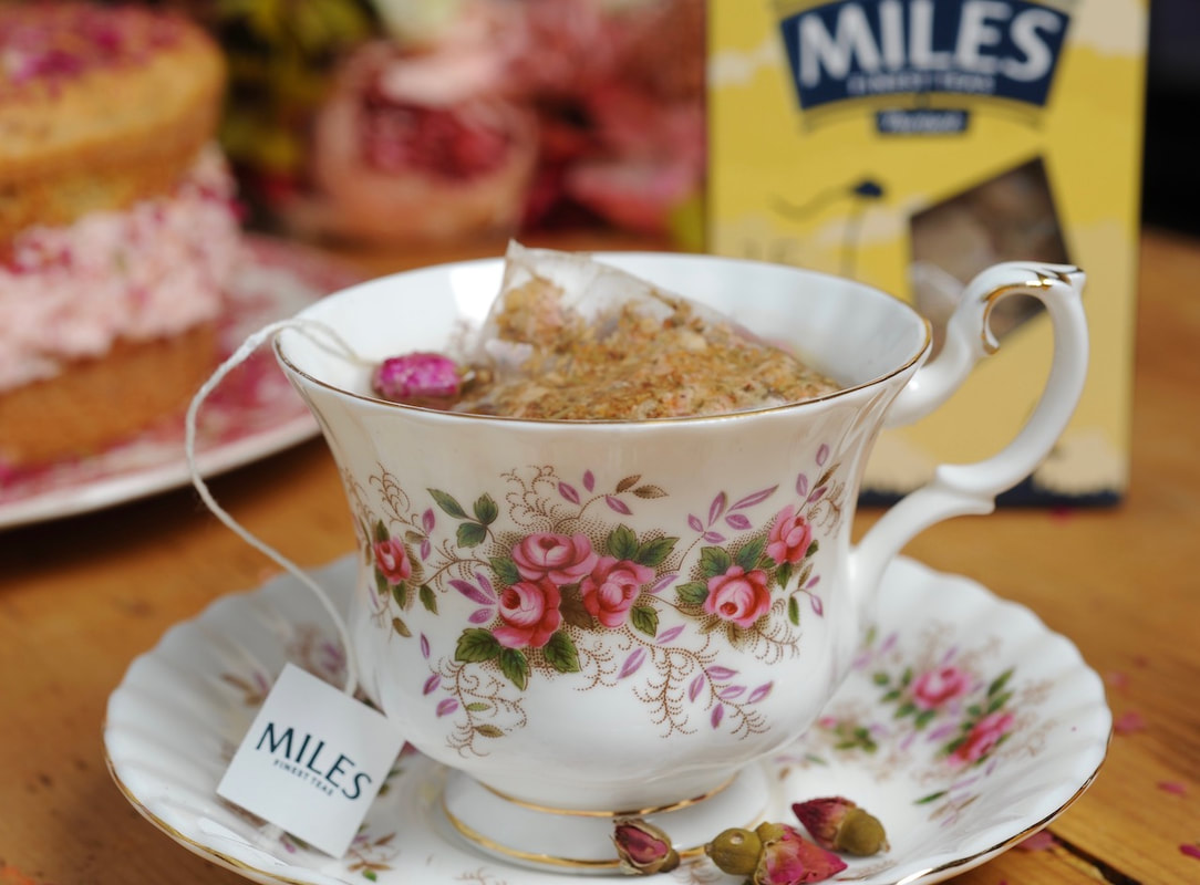 Miss Windsor: review of Miles Lavender Limeflower & Rose Tea Kites!