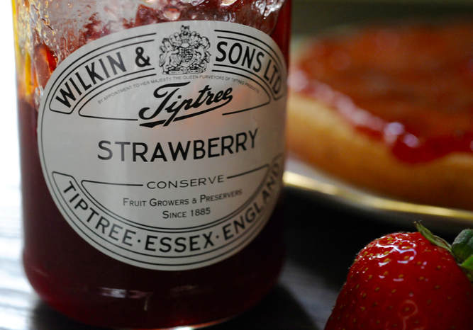Miss Windsor re-creates Fannie Farmers recipe - GENUINE Sponge Cake - with Tiptree Strawberry Conserve!