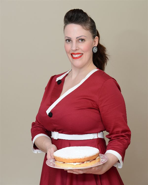 Miss Windsor: re-creates Fannie Merritt Farmer's recipe for Genuine Sponge Cake