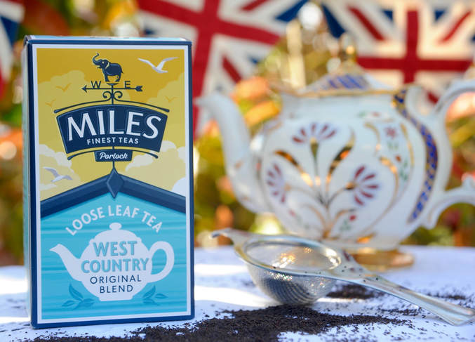 Miss Windsor's Delectables - vintage teapot by Prices (made in England) and Miles West-Country Original Blend Loose Leaf Tea!