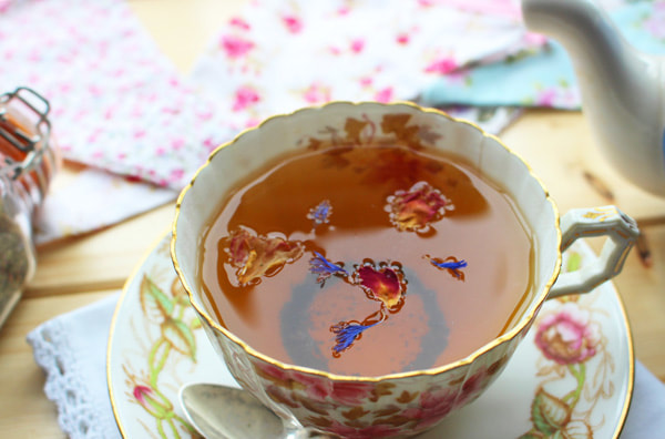 Miss Windsor's Delectables & Mrs Simkins - Review of Fortnum & Mason - The Wedding Bouquet Blend Tea! To commemorate the royal marriage of Prince Harry & Meghan Markle - Duke & Duchess of Sussex!
